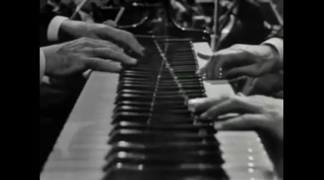 Poulenc 2 piano concerto Screen 3